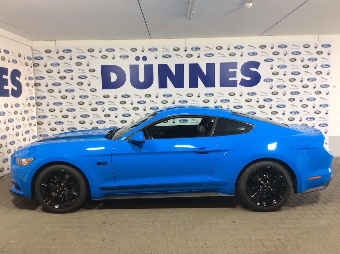 Ford Mustang Black Shadow Atoll Blau