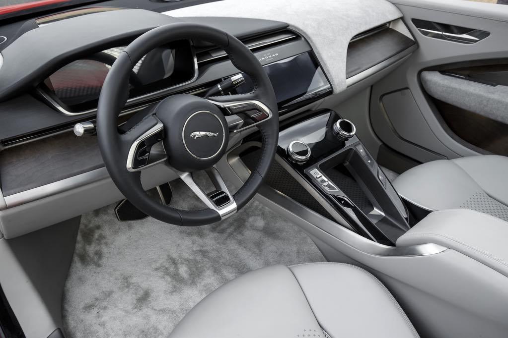 Jaguar I-Pace Lenkrad Armaturentafel
