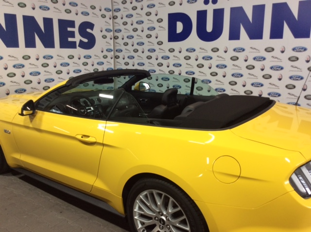 Ford Mustang Cabrio gelb 5.0 Liter