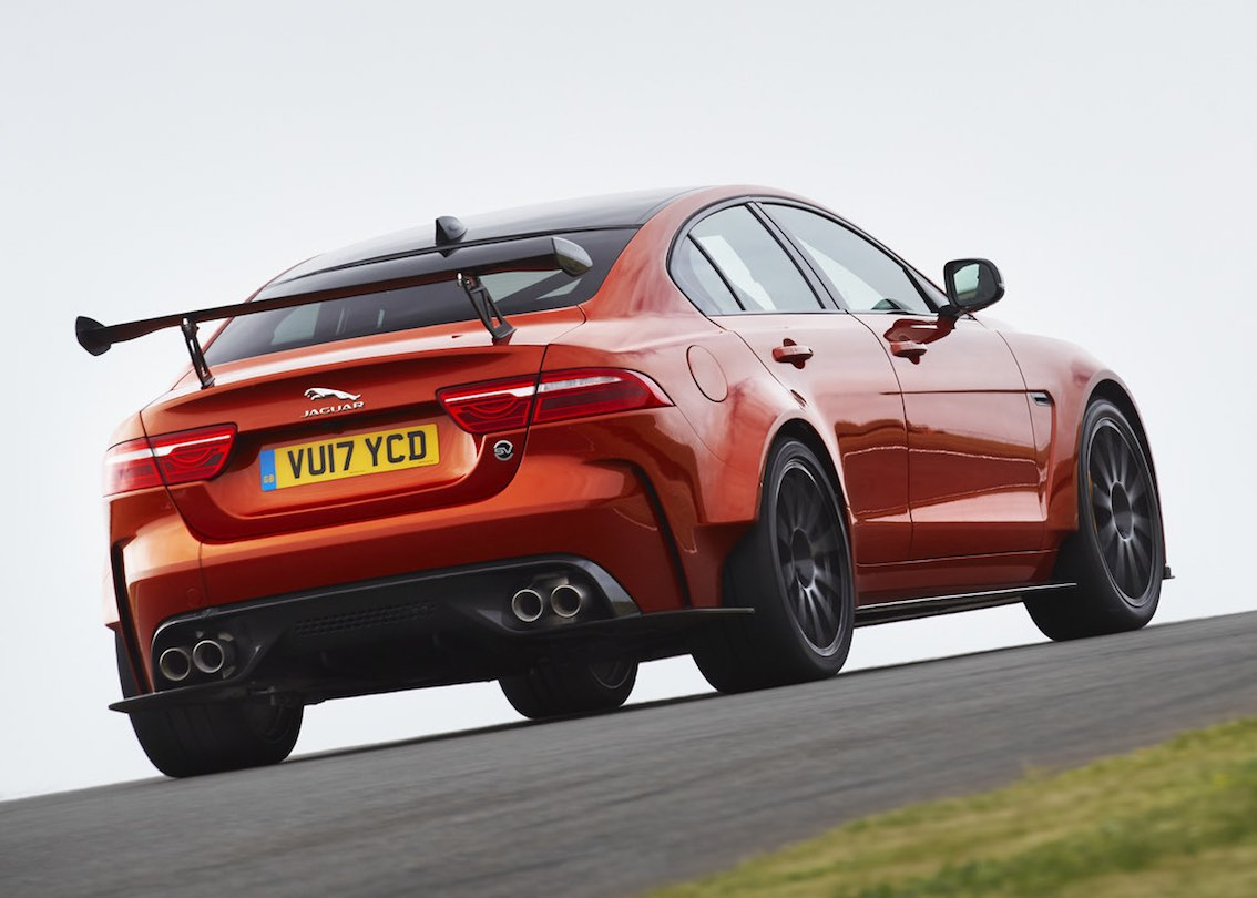 Jaguar XE SV Project 8 Heck