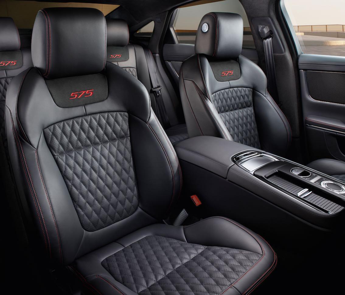 Jaguar XJR575 Sitze