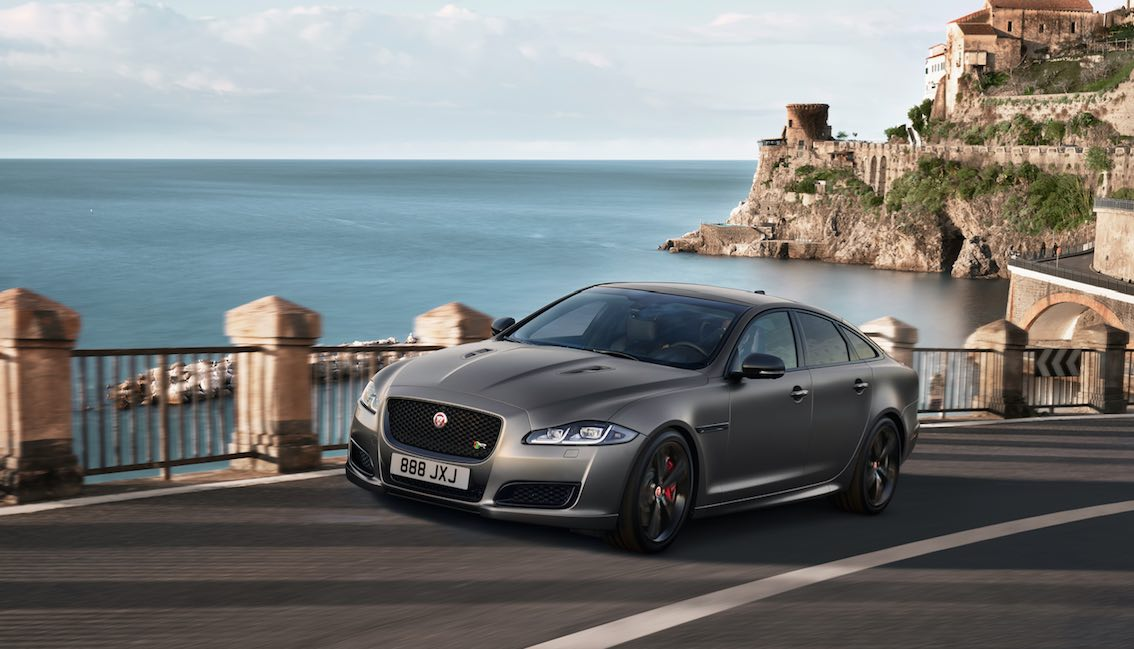 Jaguar XJR575 corris grey