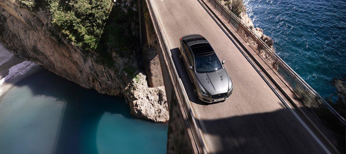 Jaguar XJR575 von oben