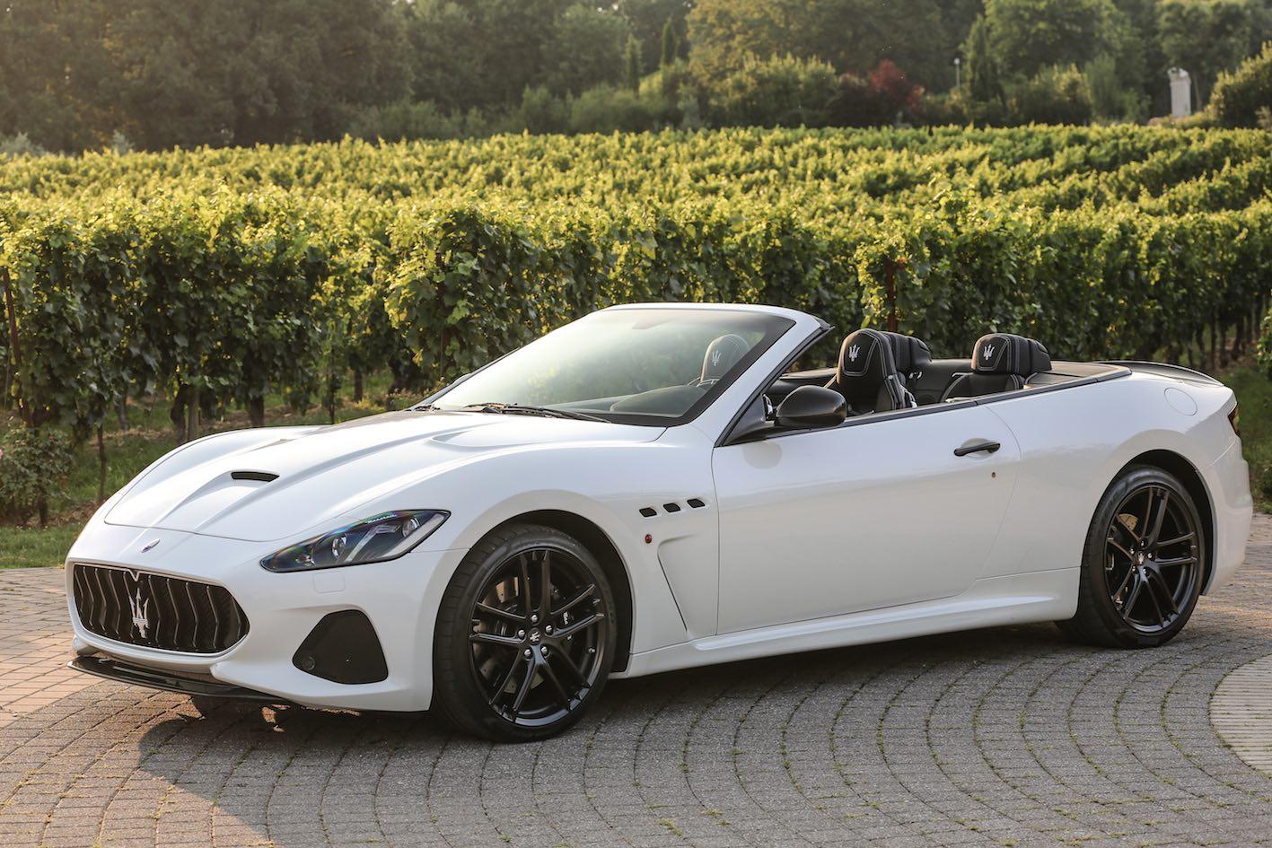 Maserati GranCabrio weiß mit schwarzen Ledersitzen Modell 2018
