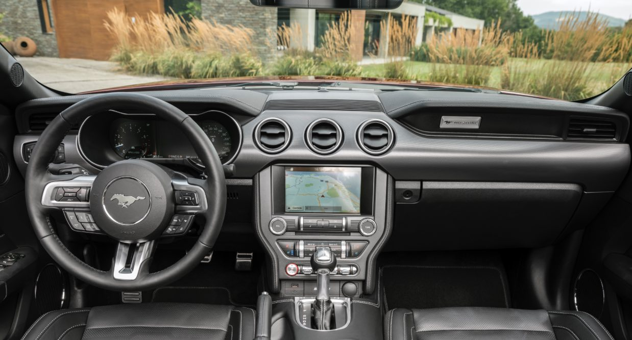 Ford Mustang 2018 Cockpit
