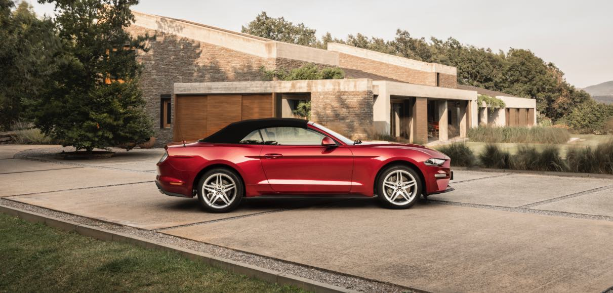 Ford Mustang Cabrio 2018 Rot