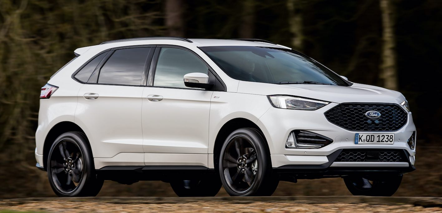 Ford Edge 2019 weiss Front seitlich