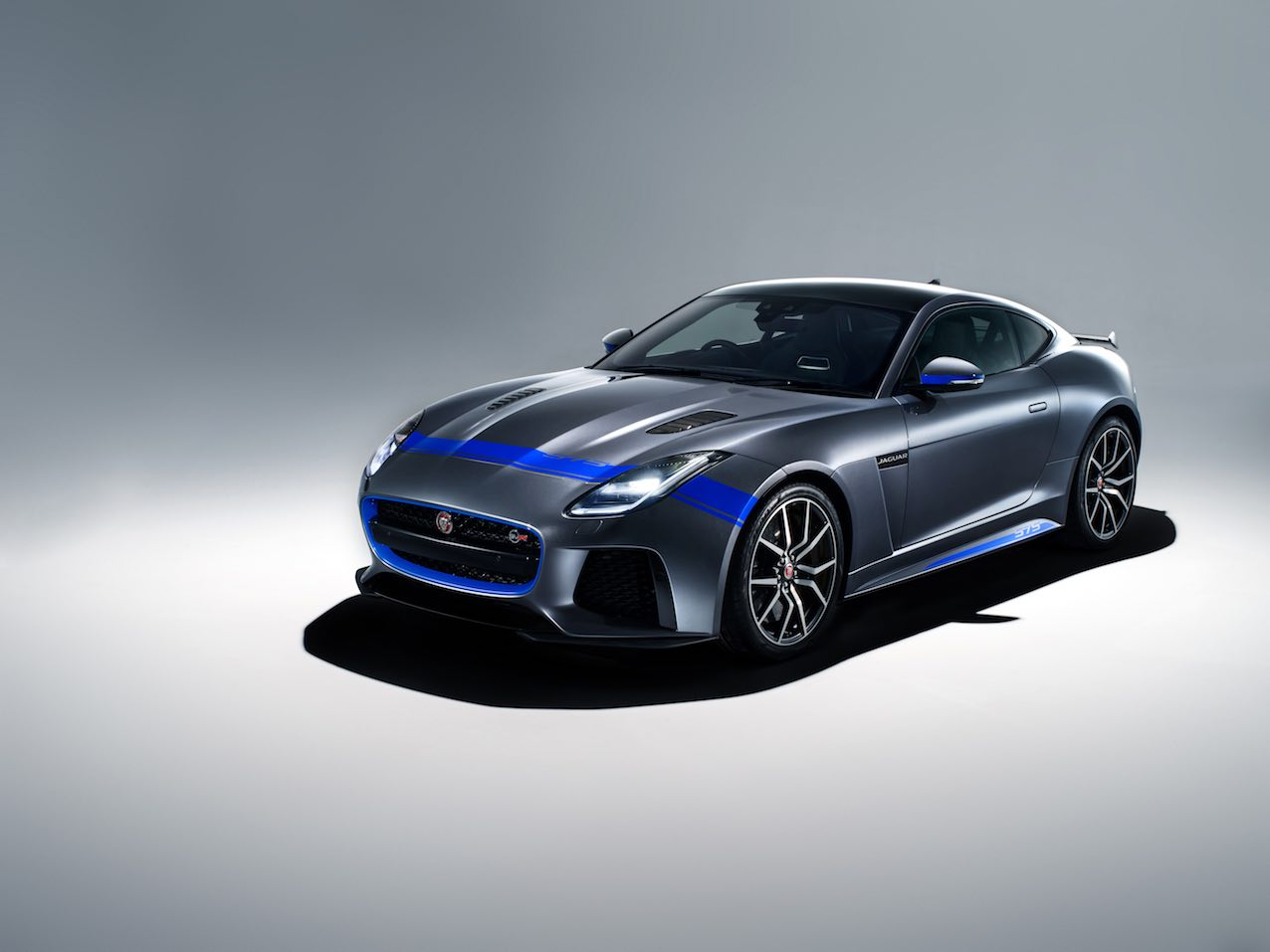 Jaguar F-Type SVR Graphic Pack 13