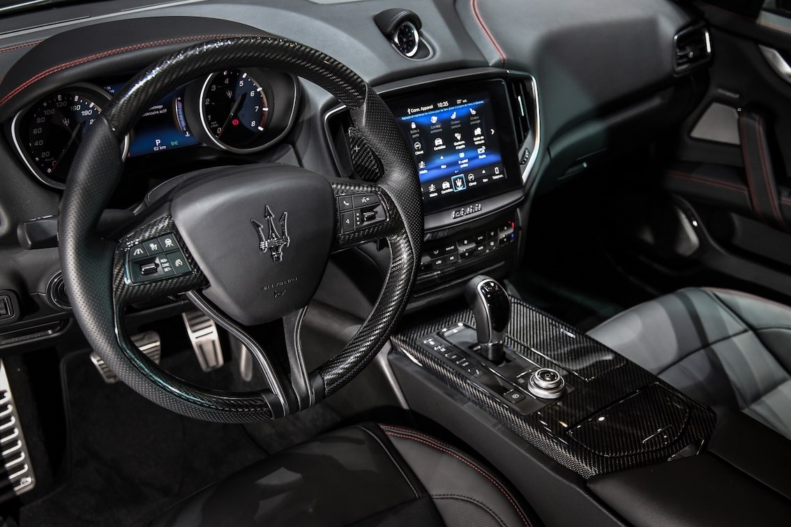 Maserati Ghibli Nerissimo Lenkrad