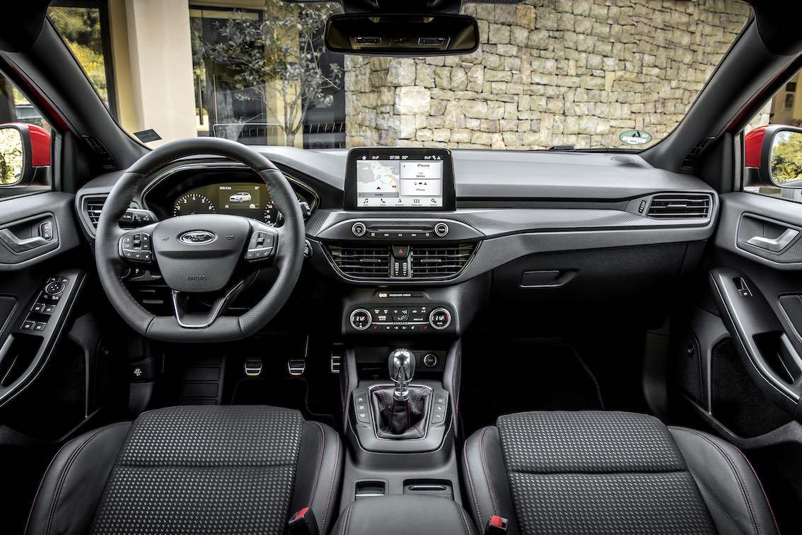 Ford Focus ST Line 2019 Lenkrad Armaturenbrett