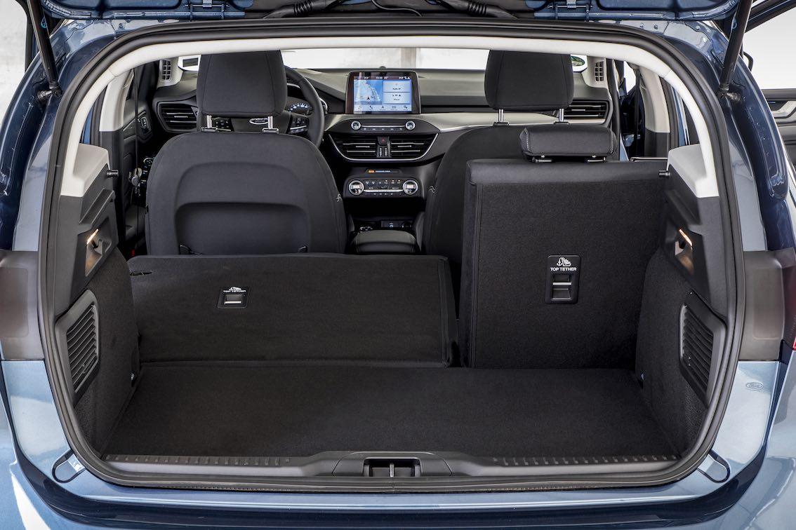 Ford Focus 2019 Titanium Kofferraum umgelegte Rücksitzbank