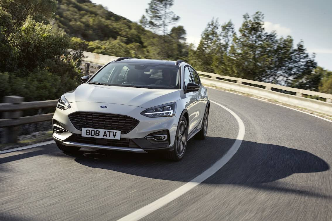 Ford Focus Active 2019 Front Silber Grau Fahrend