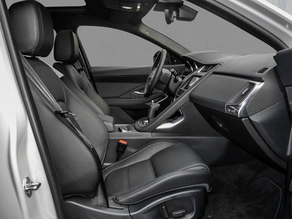 Jaguar E-Pace Vordersitze