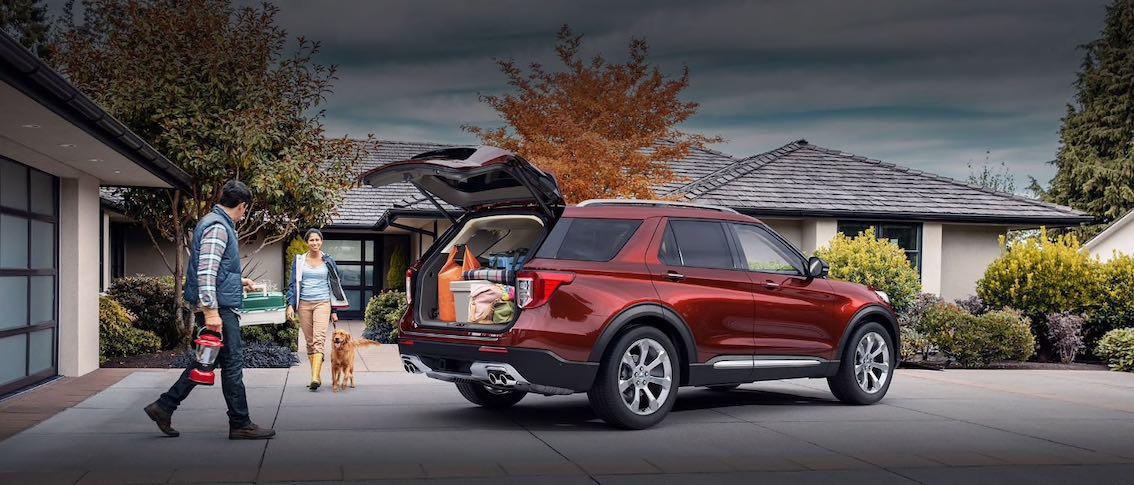 Ford Explorer 2020 Rot von hinten Kofferraum offen