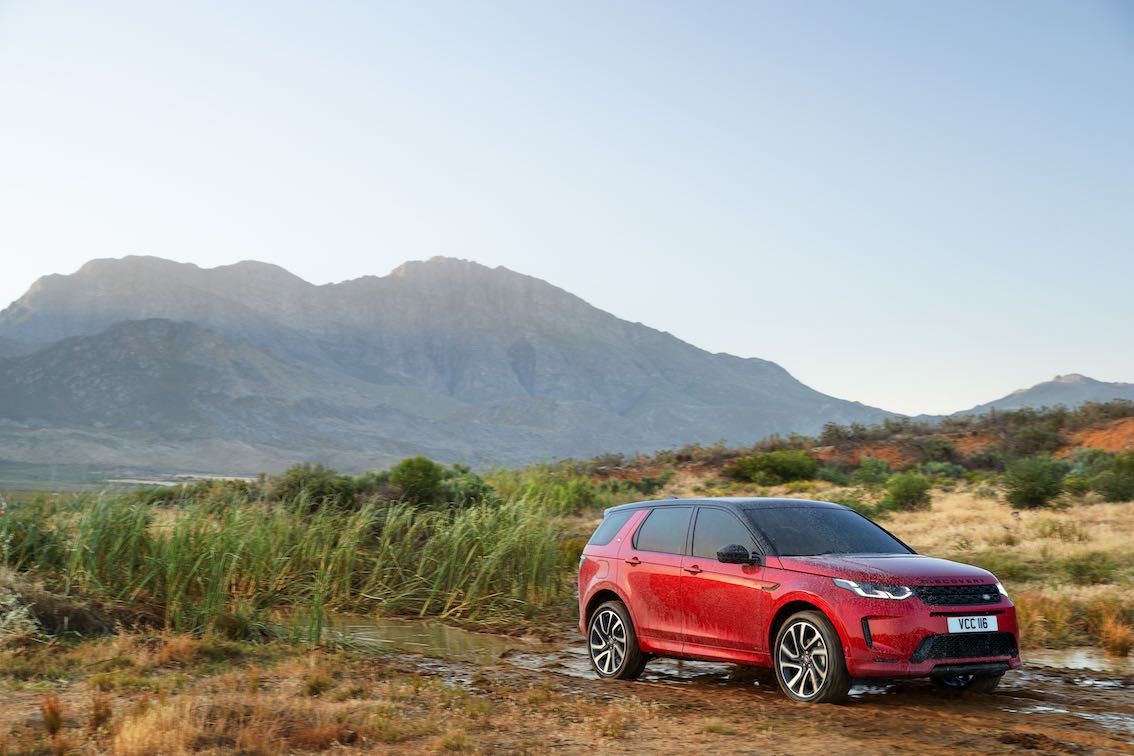 Land Rover Discovery Sport 2020 Rot Durchfahrt Schlamm