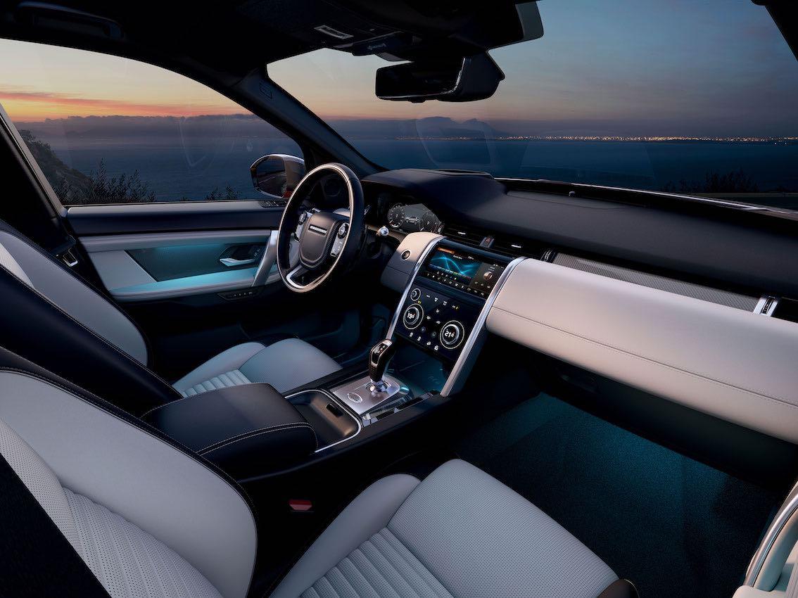 Land Rover Discovery Sport 2020 weiße Innenausstattung