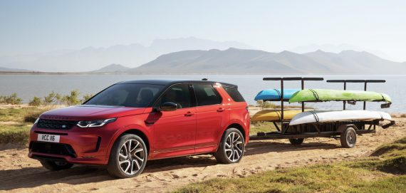 Land Rover Discovery Sport mit Anhänger 2020