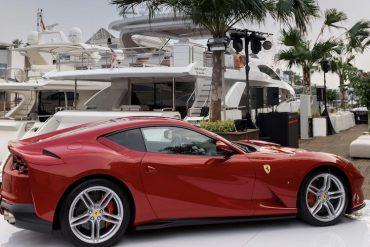 Ferrari 812 Rot Superfast
