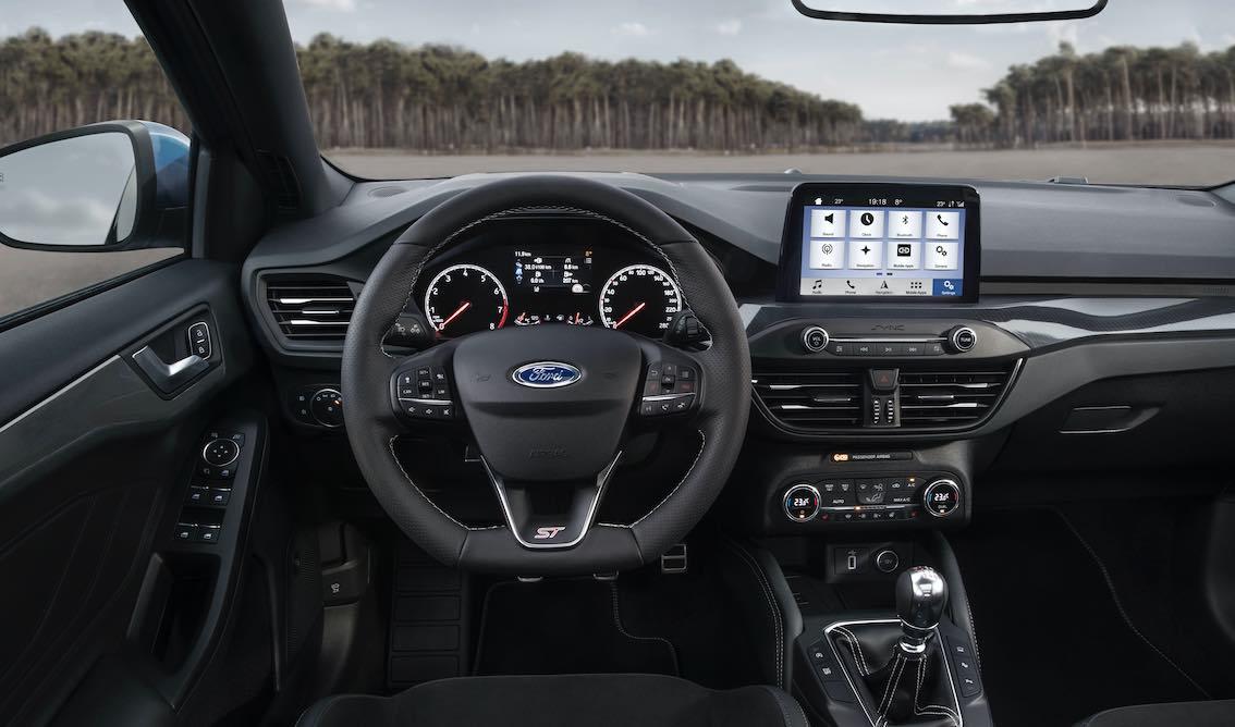 Ford Focus ST 2020 Lenkrad Armaturenbrett