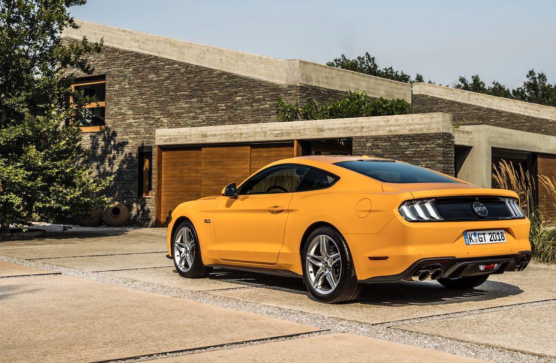 Ford Mustang Orange