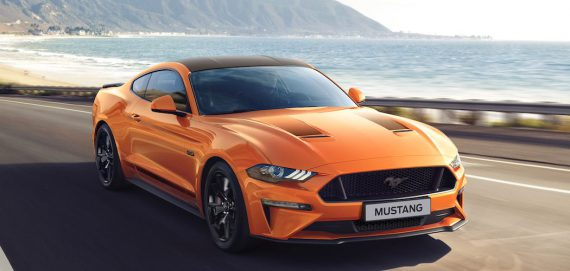 Ford Mustang55 Orange mit schwarzem Dach