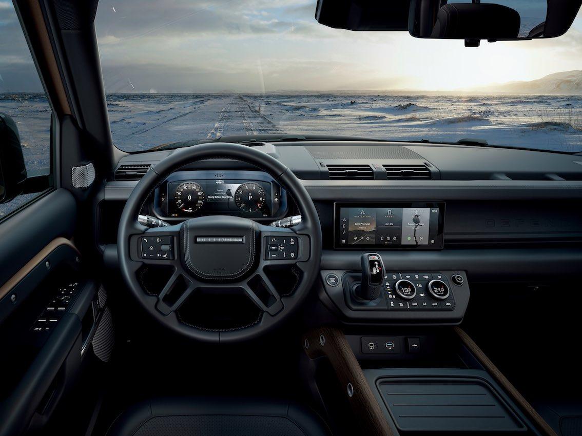 Land Rover Defender 2020 Lenkrad Armaturenbrett