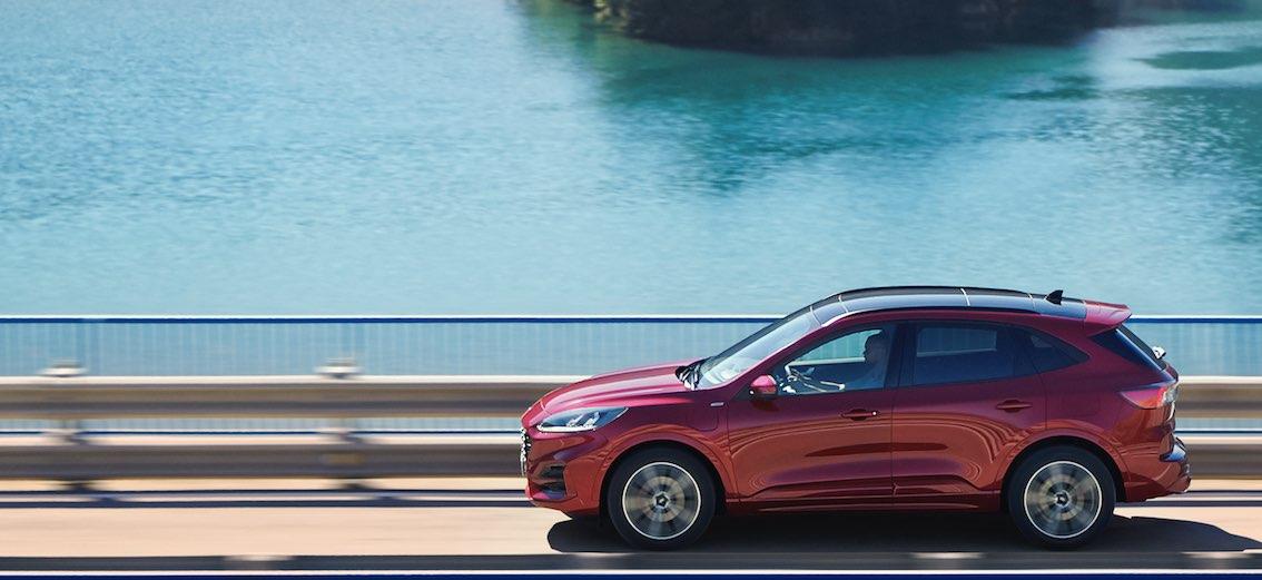 Neuer Ford Kuga 2020 in Rot von Seite