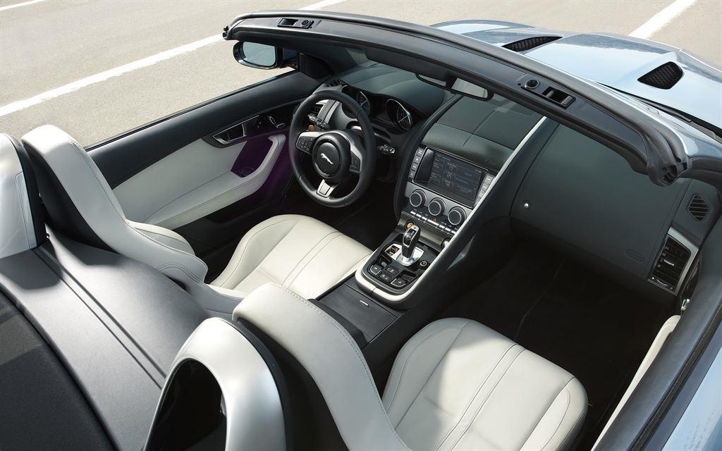 Jaguar F Type Cabrio innen