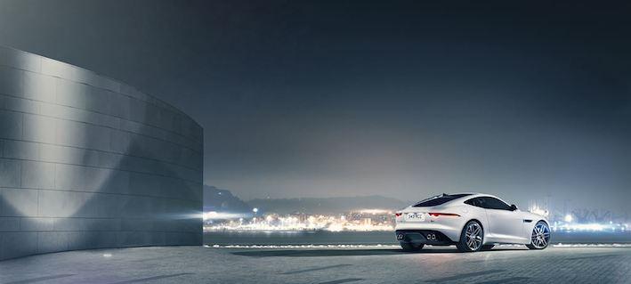 Jaguar F type R hinten