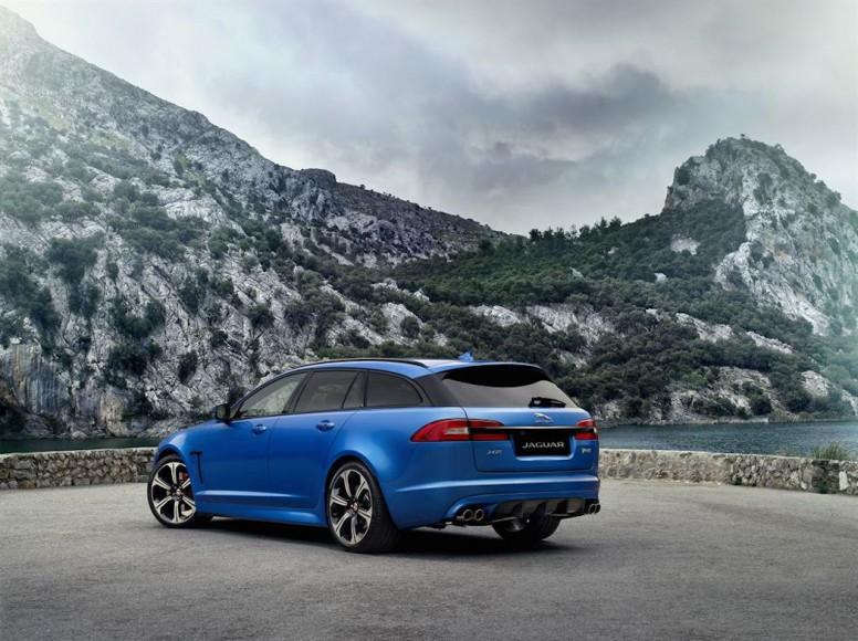 Jaguar XF R Blau hinten