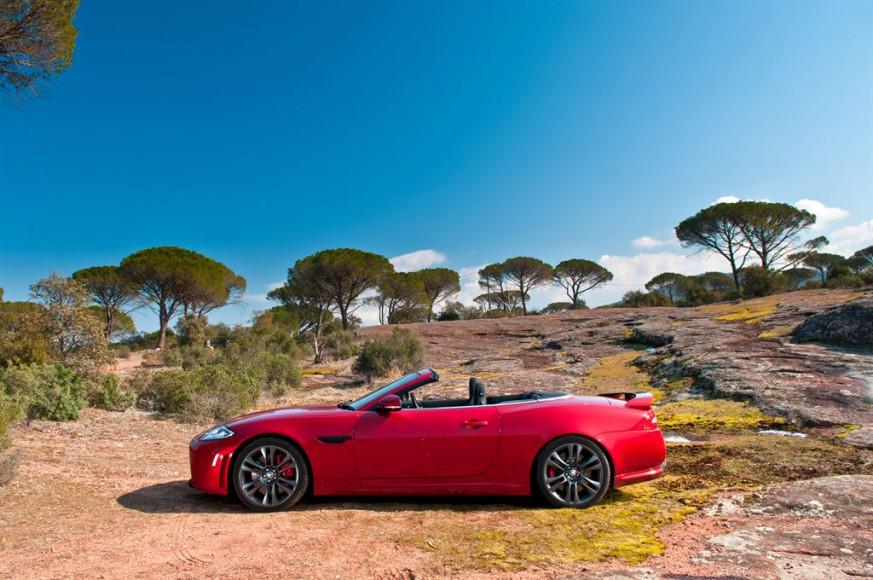 Jaguar XK Cabrio Rot Wüste