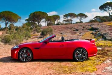 Jaguar XK Cabrio rot