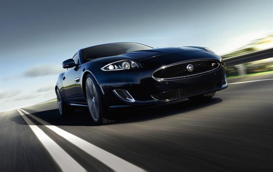 Jaguar XK Coupe vorne blau
