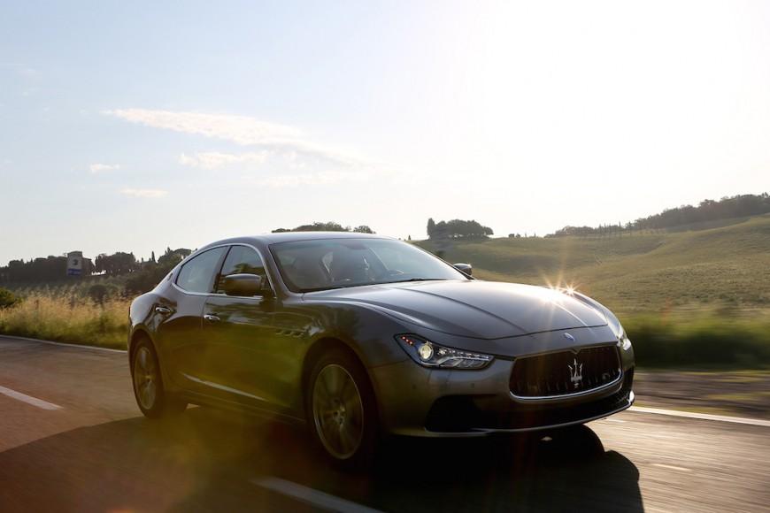 Maserati Ghibli grau vorne