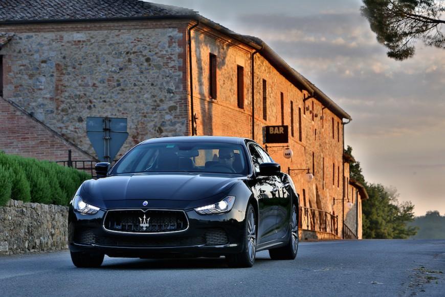 Maserati Ghibli schwarz vorne