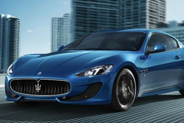 Maserati GranTurismo blau Beitragsbild
