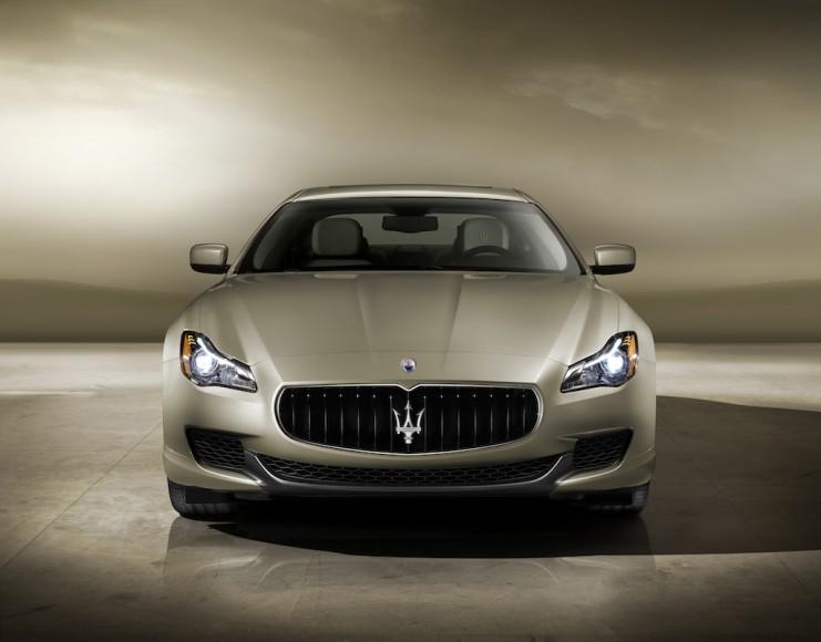 Maserati Quattroporte gold
